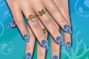 Maquille les ongles de mains d'une jolie sirène