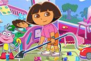 Dora nettoie sa chambre