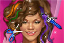 Coiffer les cheveux de Rihanna